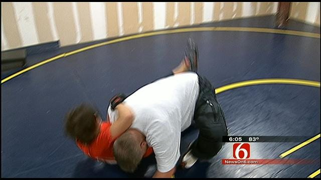 OHP Lieutenant Demonstrates How To Fend Off An Attacker