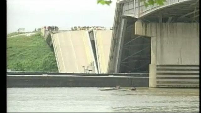 911 Tapes Released Following Webbers Falls Bridge Collapse