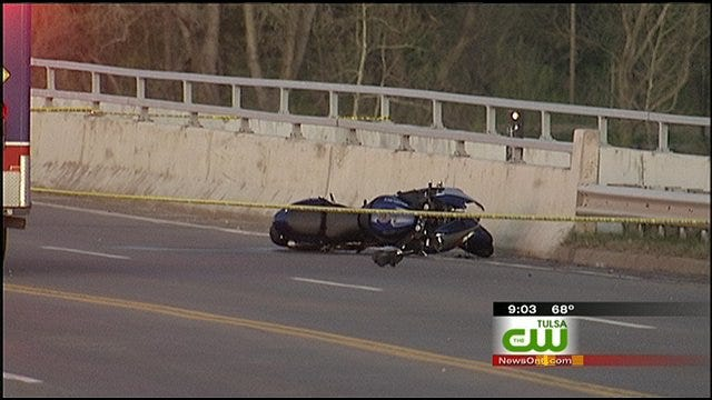 One Dead, Another In Serious Condition After Motorcycle Crashes On 21st Street Bridge