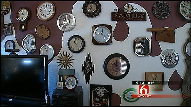 Broken Arrow Family Has More Than 100 Clocks
