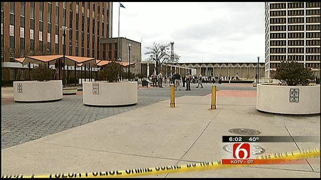 Law Enforcement Protects Public From Tulsa Courthouse Gunman
