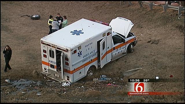 Oolagah-Tallala Ambulance Crash Injures Patient, Paramedics