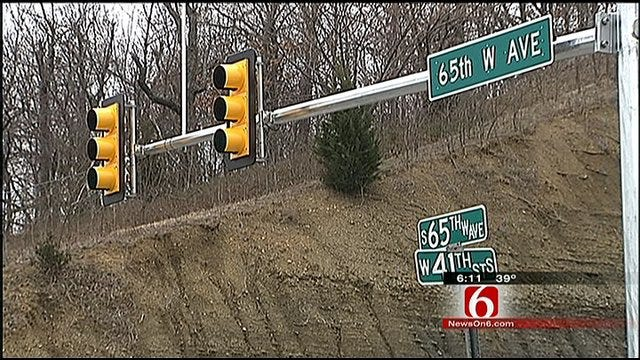 Tulsa County Installs Traffic Light At Crash-Prone Intersection