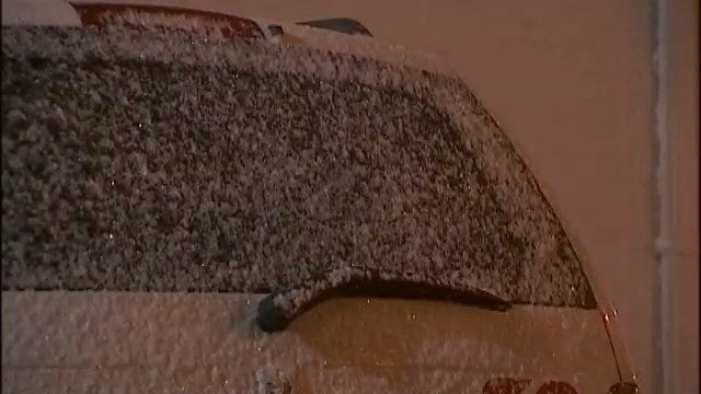 WEB EXTRA: Video Of Snow Falling In Downtown Tulsa Late Wednesday, Early Thursday