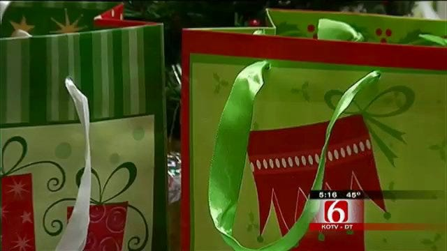 Tulsa Street School Students Get Walmart Gift Cards From Local Church