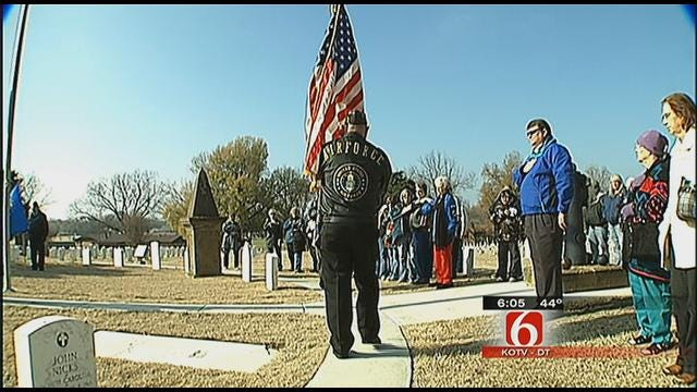 Oklahoma Veterans Honored In Fort Gibson Wreath Ceremony