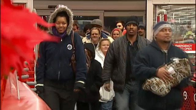 WEB EXTRA: Video Of Black Friday Shoppers Hitting Tulsa Area Stores