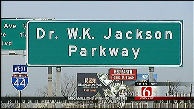Should Taxpayers Foot the Bill for Memorial Highway Signs?