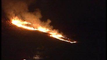 WEB EXTRA: SkyNews6 Flies Over West Tulsa Grass Fire