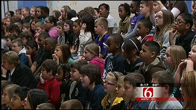 Trav's Wild Weather Camp Stops At Arrowhead Elementary