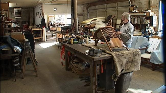 Antiques Restorer Brings Expertise To Six In The Morning