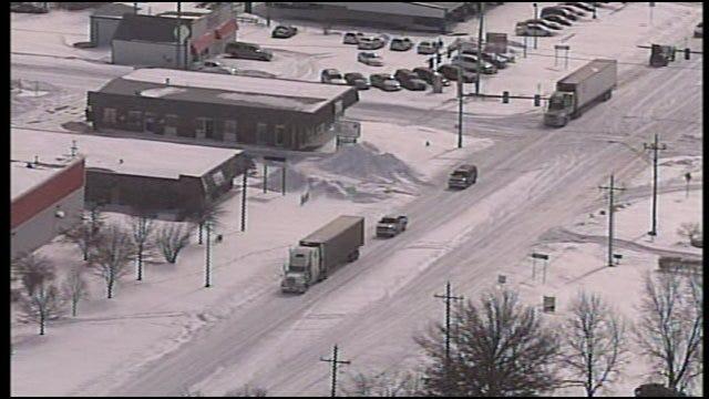 SkyNews 6: Snow Covers Bartlesville Wednesday Morning