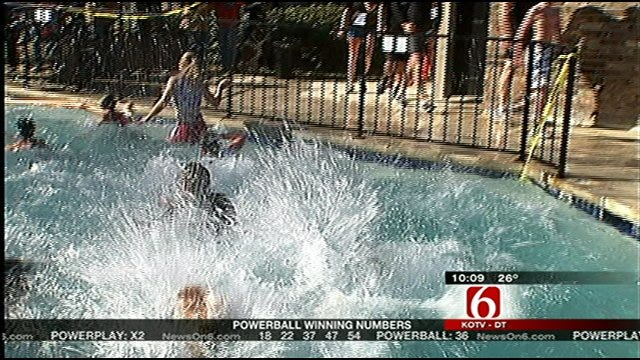 Tulsans Celebrate New Year By Taking Splash