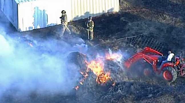 SkyNews6: East Tulsa House And Grass Fire