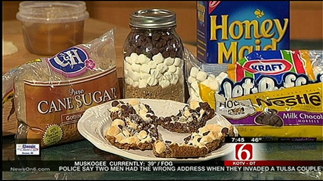 MSQ's Frugal Christmas Gifts: Pie, Smores In A Jar