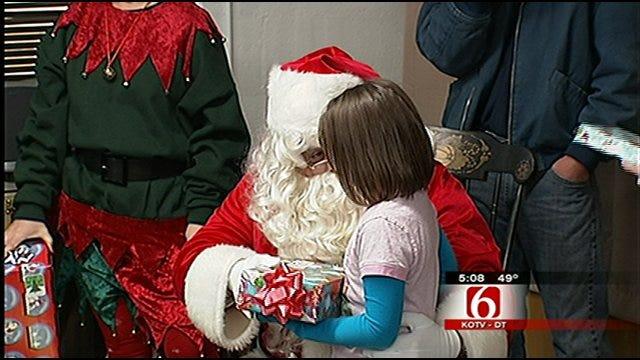 Santa Surprises Tulsa Elementary Students