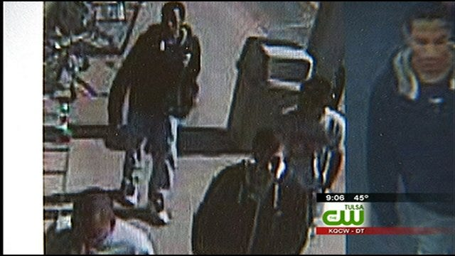 Tulsa Police Looking For Purse-Snatching Suspects