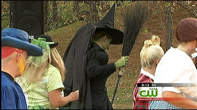 Tulsa Zoo Celebrates Hallowzooeen