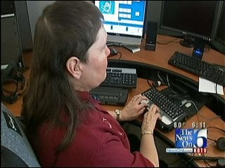 Blind 911 Tulsa Operator Benefiting From Technology