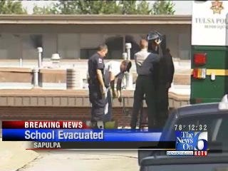 WEB EXTRA: Sapulpa Police Issue All Clear After Bomb Scare At High School