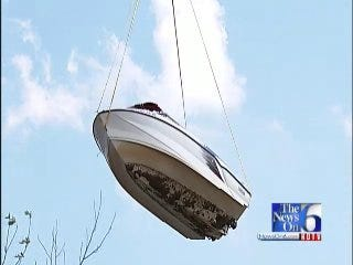 WEB EXTRA: Helicopter Airlifts Boat Out Of Keystone Lake
