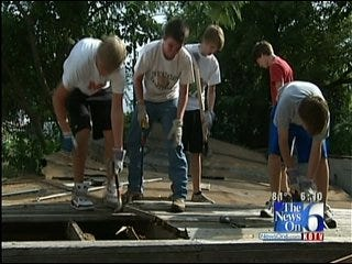 Students Help Renovate Tulsa Homes