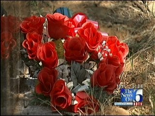 Angels Stolen From Headstones Of Mother & Daughter In Muskogee County