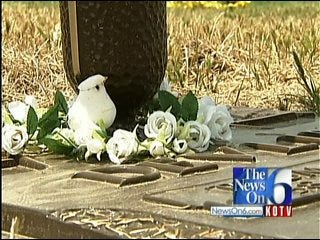 Broken Arrow Woman Saddened By Theft At Her Father's Gravestone