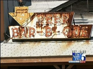 Knotty Pine Owner To Rebuild Restaurant After Fire