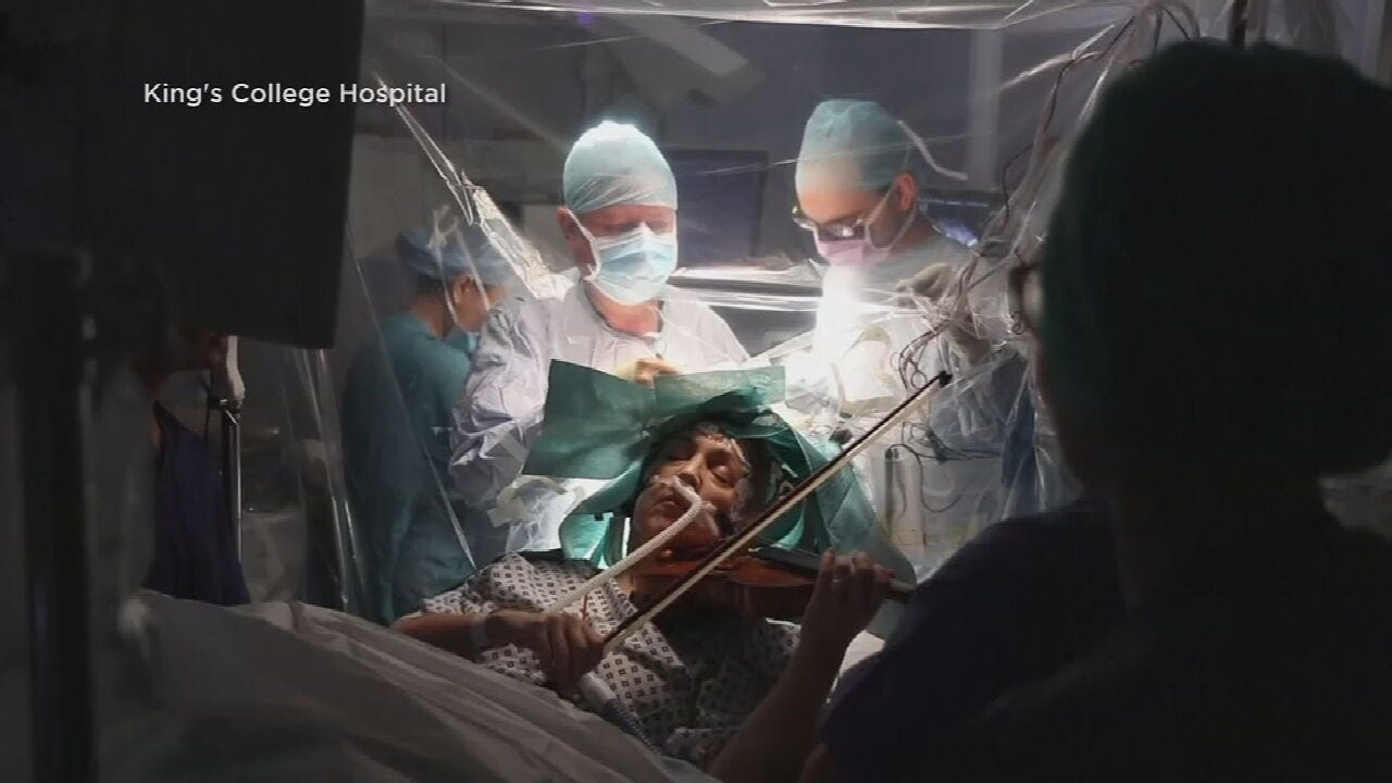 Woman Plays Violin While Surgeons Remove Her Brain Tumor