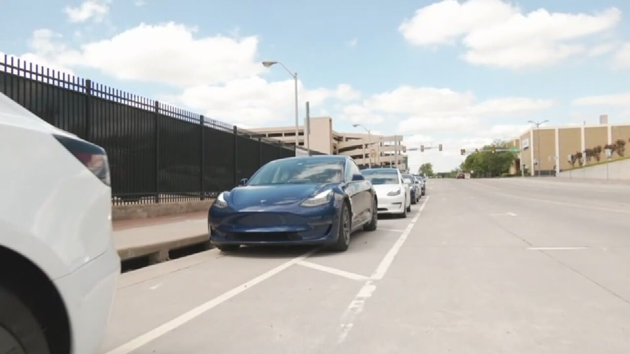 Tesla Drivers Take Over Tulsa In Hopes Of Attracting Car Company
