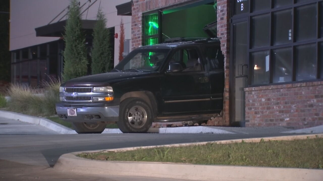Tulsa Police Investigating After Truck Backs Into Dispensary