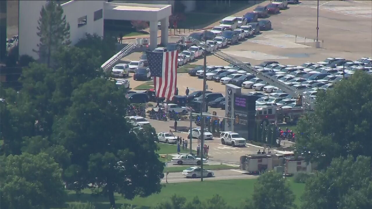 WATCH: Osage SkyNews 6 HD Flies Over The Procession For Fallen Tulsa Police Sergeant
