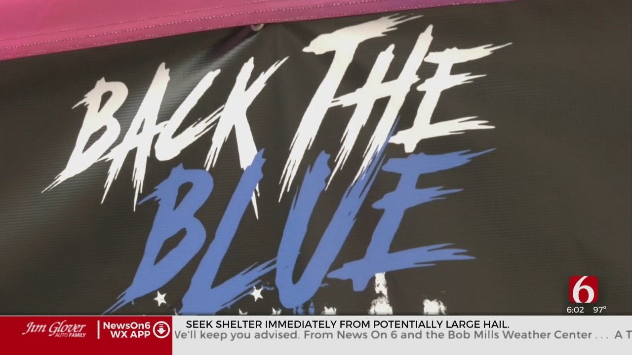 Community Comes Together To 'Back The Blue' In Tulsa