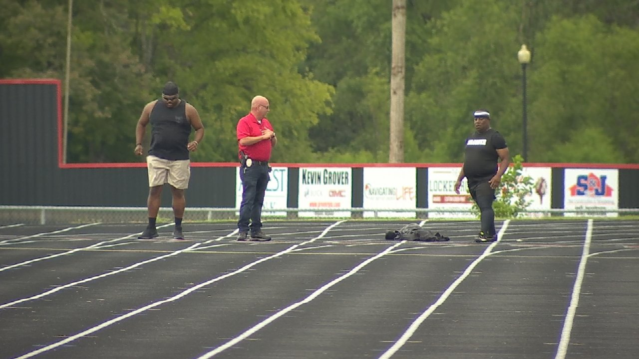 Wagoner Police Officers Go Toe-To-Toe On The Track To Help Raise Money For Kids