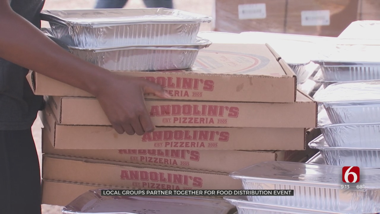 Tulsa Groups Partner To Hand Out Food