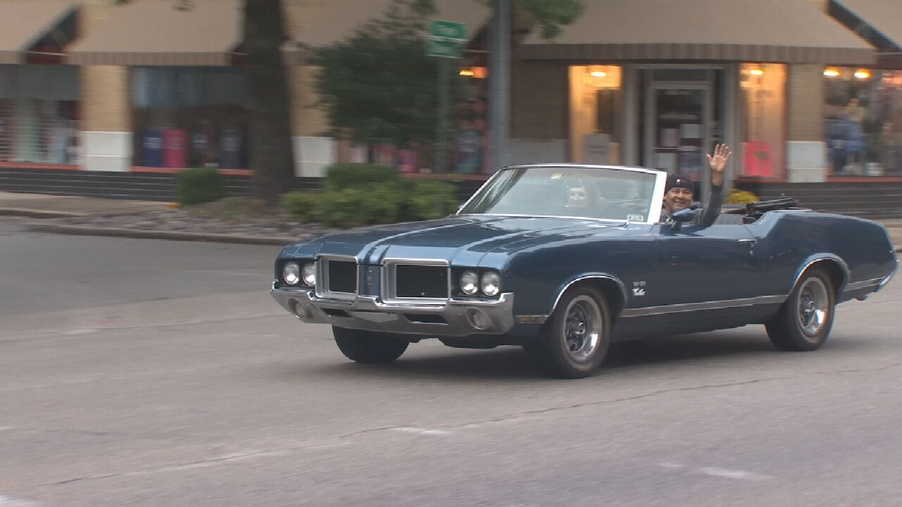 Route 66 Blowout Car Show Kicks Off In Sapulpa