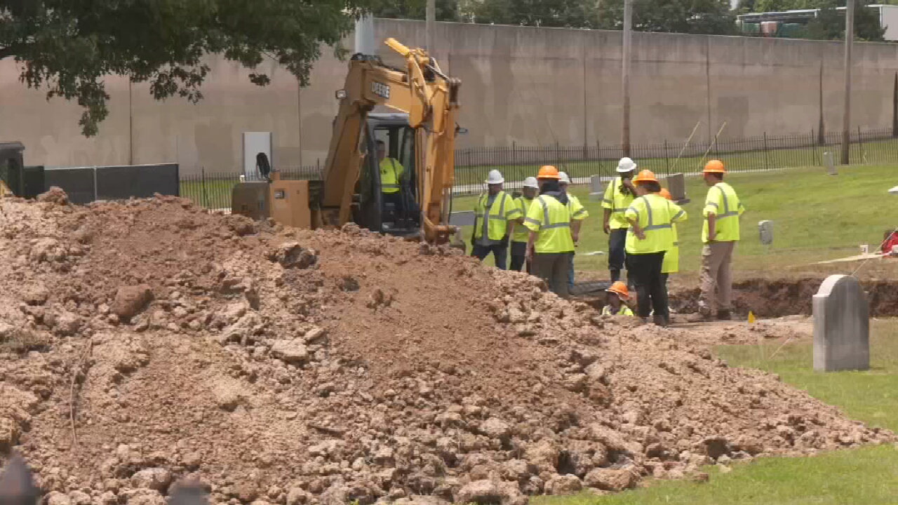 Archeologists Discover Five More Coffins in Mass Grave at Oaklawn Cemetery