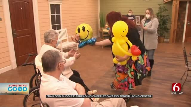 'Balloon Buddies' Spread Cheer At Owasso Senior Living Center