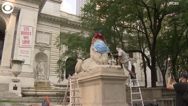 WATCH: New York Public Library Lions Mask Up