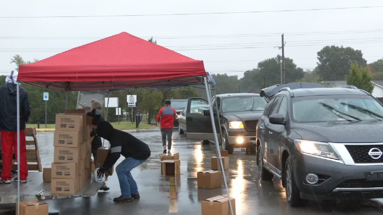 Memorial High School Hosts Food Giveaway