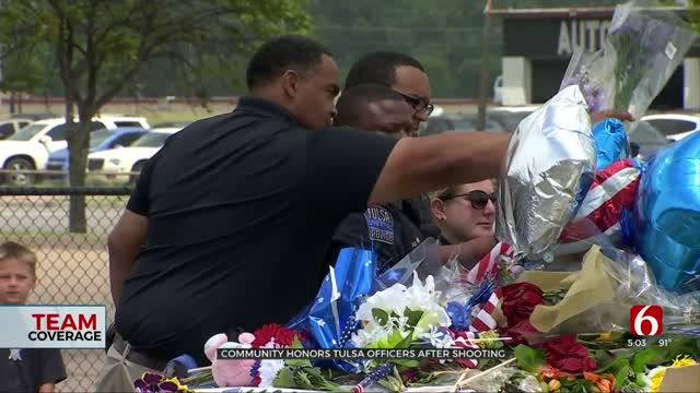 Community Comes Together, Shows Support For Tulsa Officers