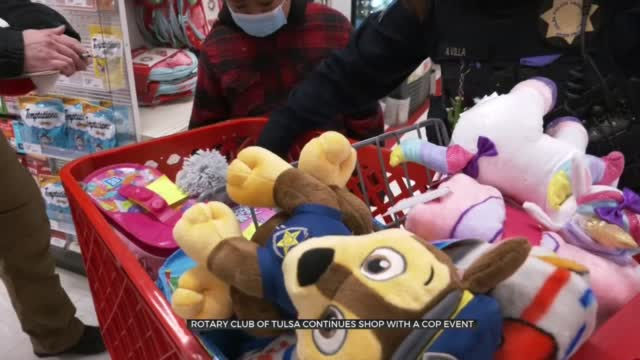 Rotary Club Of Tulsa Helps Children 'Shop With A Cop'