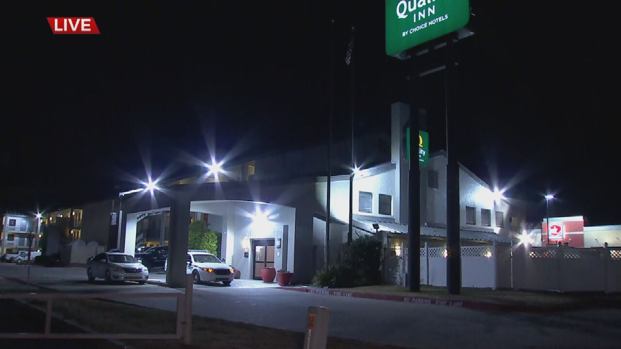 Tulsa Police Investigate Armed Robbery At Hotel