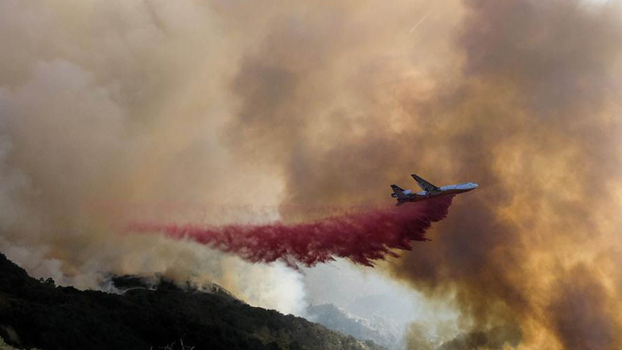 Shifting Winds Challenge Crews Fighting California Fire