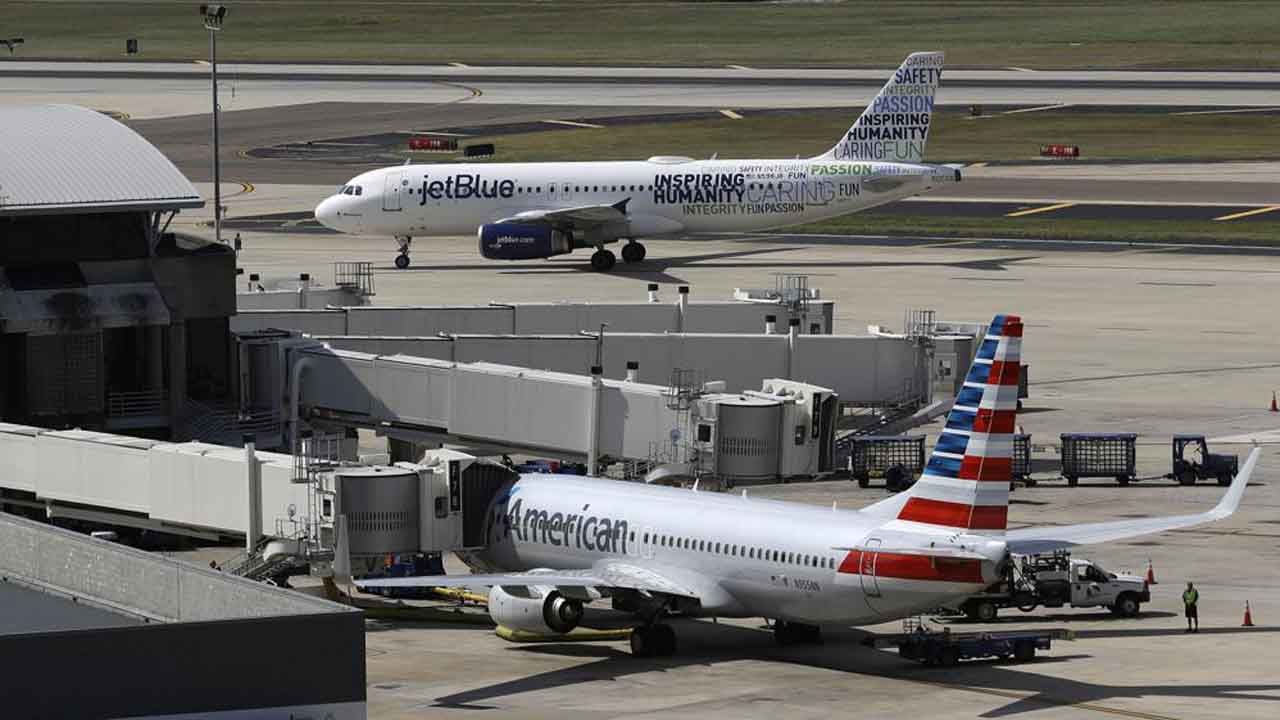 US Sues To Stop Deal Between American Airlines, JetBlue