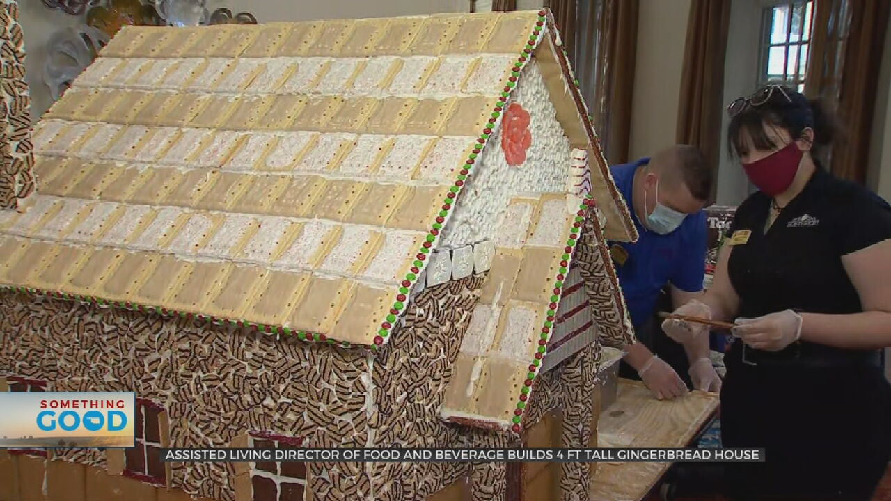Tulsa Man Spreads Holiday Cheer To Assisted Living Residents