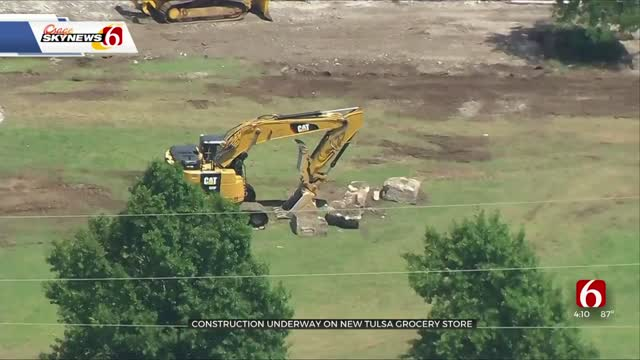 Construction On Tulsa Grocery Store Underway