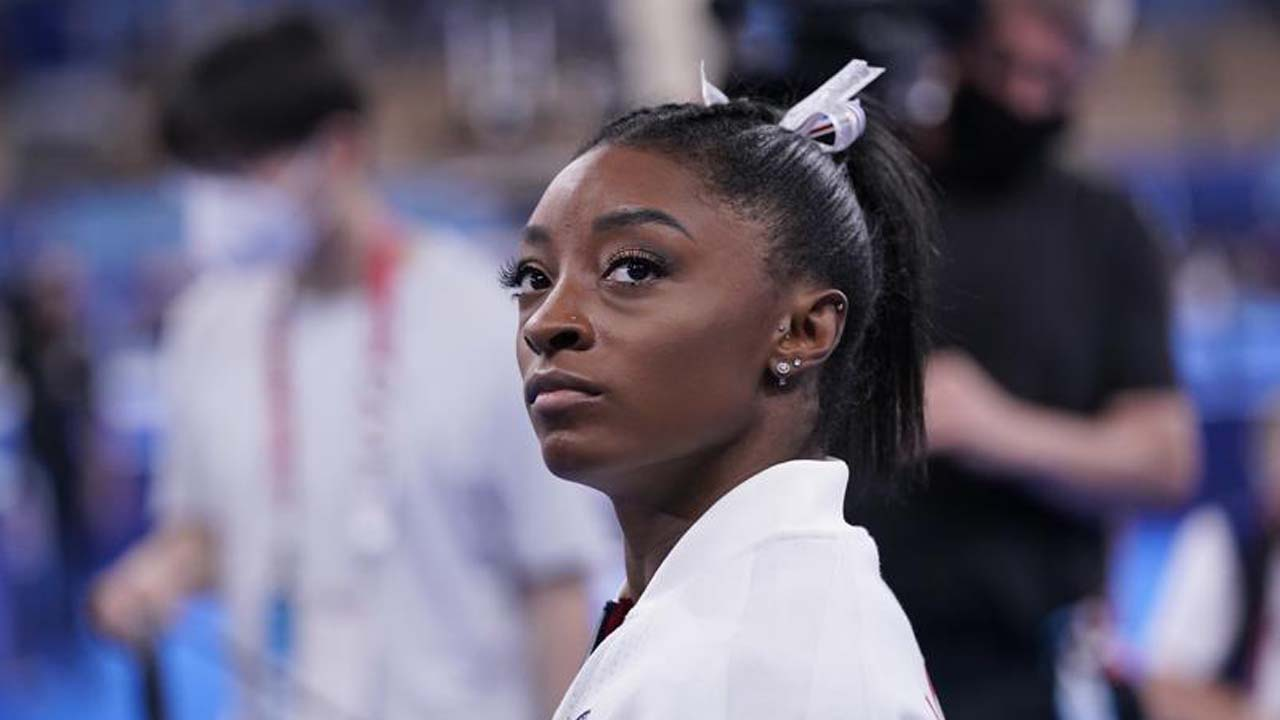 Olympic Champ Biles Out Of Team Finals With Apparent Injury