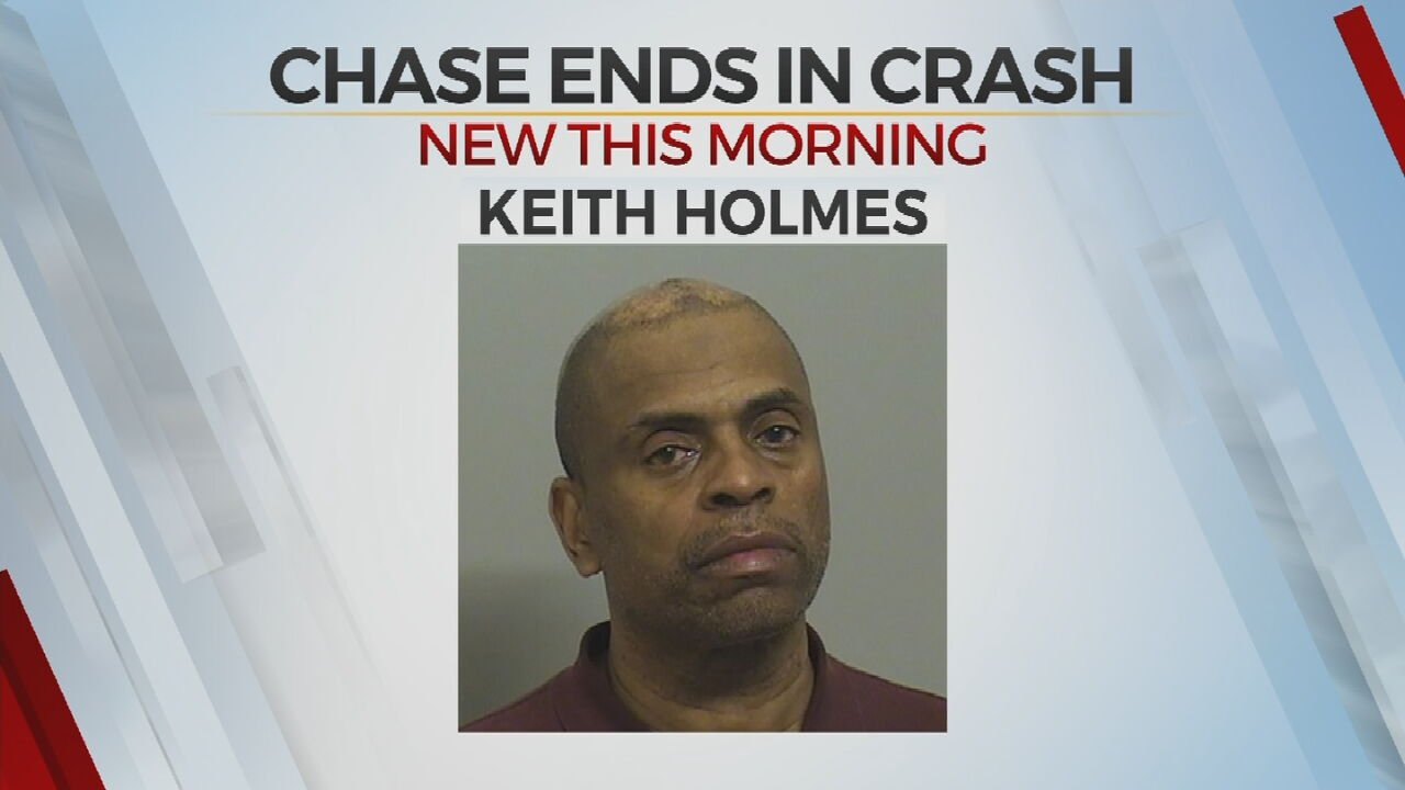 Man In Stolen Jeep Leads Officers On Chase, Crashes Into Creek, Police Say